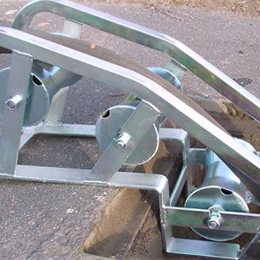 Cable roller